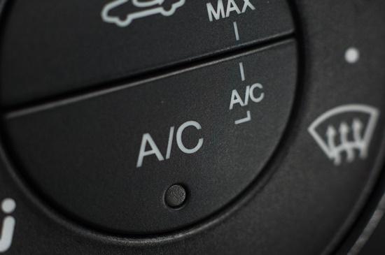 desligado-economiza-combustivel-blog-ceabs-ar-condicionado