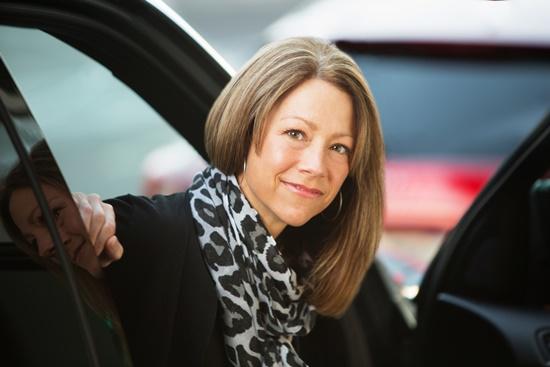 blog-ceabs-seguro-carro-mais-caro-mulheres-acima-45-anos-pr