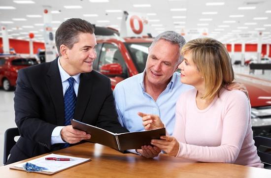 ceabs-blog-seguro-carro-mais-caro-mulheres-acima-45-anos-pr