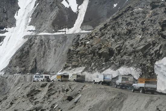 mundo-passagem-zoji-la-blog-ceabs-estradas-mais-perigosas